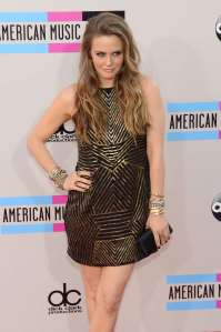 Alicia-Silverstone_-2013-American-Music-Awards--03
